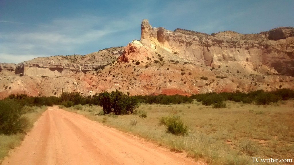 Road into Casa del Sol Ghost Ranch writing retreat